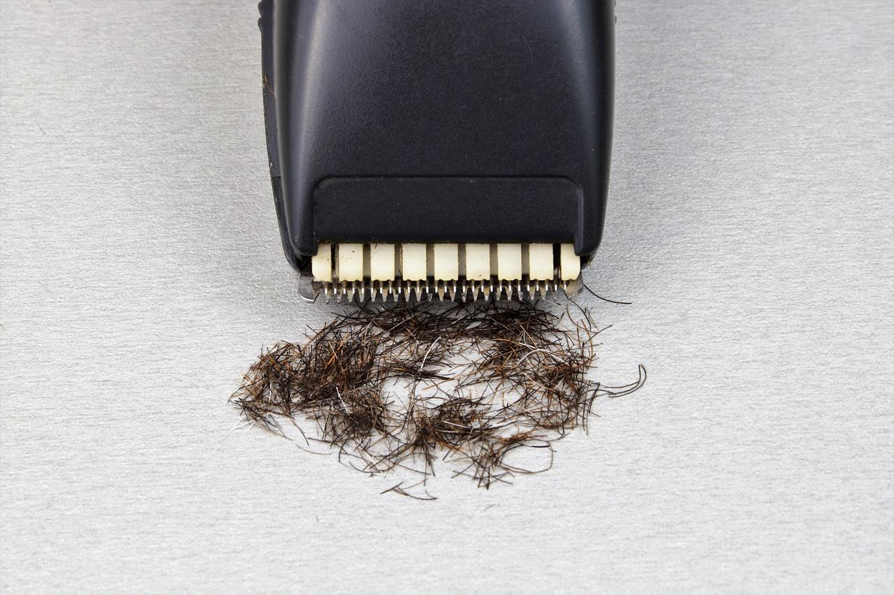 Como modelar a barba e o cabelo: primeiro, apare a barba