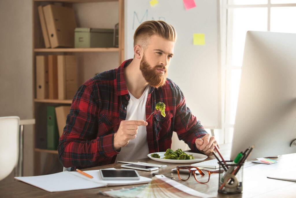 Quais alimentos ajudam no crescimento da barba?