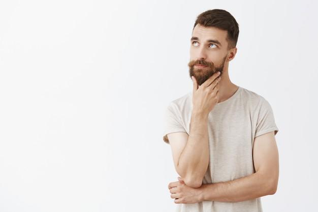 o que é caspa na barba
